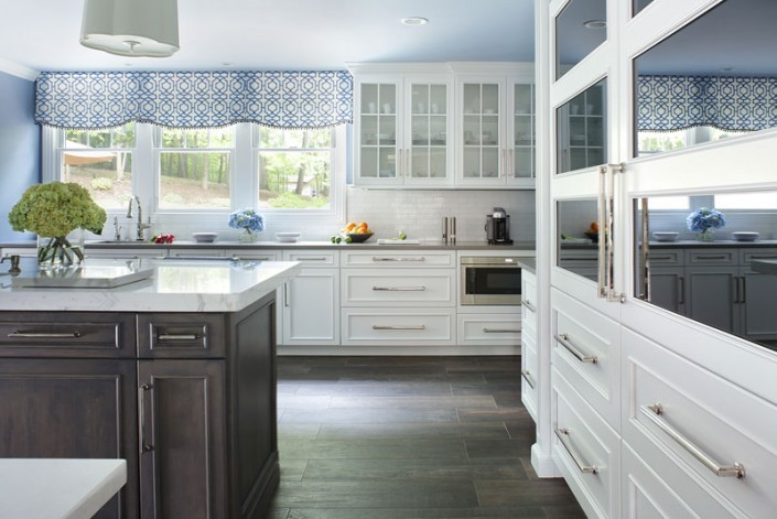 Transitional White Kitchen and Morning Mist Stain on Maple Island