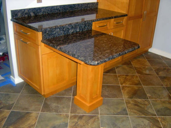 Traditional stained kitchen countertop
